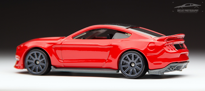 2016 Hot Wheels Ford Mustang Shelby GT350R - Side 2