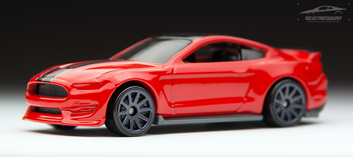 2016 Hot Wheels Ford Mustang Shelby GT350R - Front