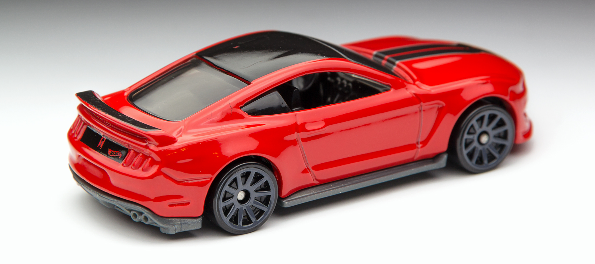 2016 Hot Wheels Ford Mustang Shelby GT350R - Overhead